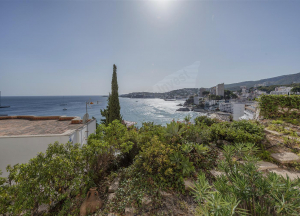 To rent. Apartment with stunning sea views,