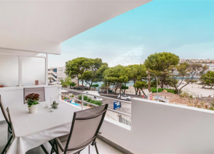 Apartment in Santa Ponsa in first line to the sea