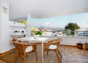 Flat in Bonanova with terraces and sea views,