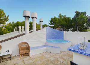 Penthouse with solarium and jacuzzi in the Bendinat Golf